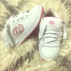 Heelys skate girl shoe .